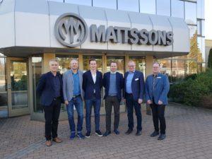 bild på de som var med vid företagsbesöket hos Mattssons